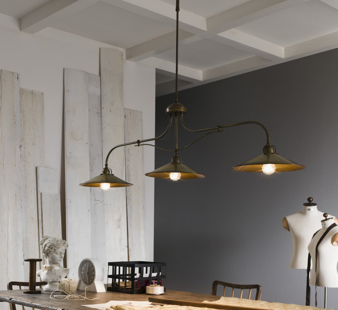 gro e h ngelampe il poggio in messing und eisen von il fanale. Black Bedroom Furniture Sets. Home Design Ideas