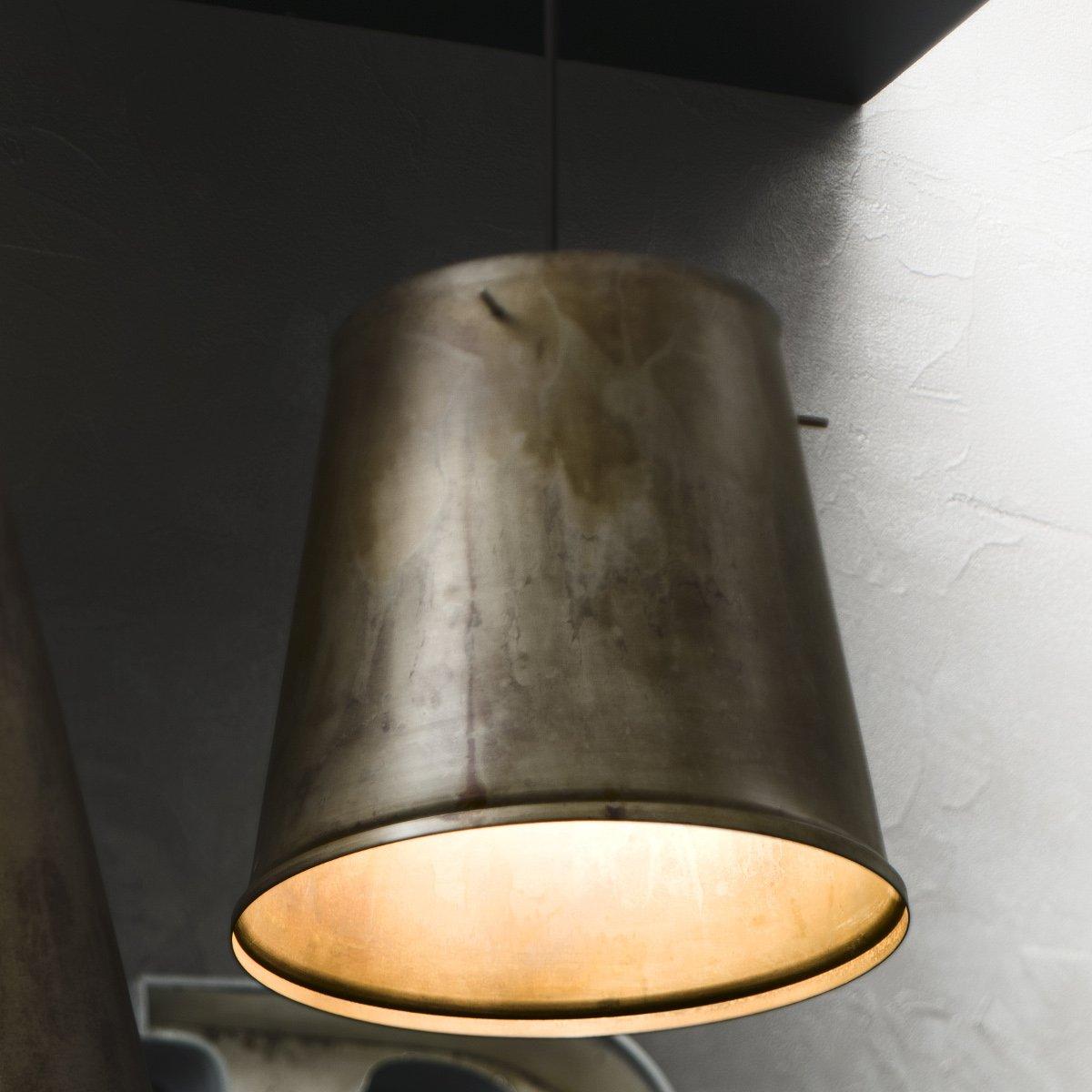 Eisen pendelleuchte im industriedesign von il fanale for Lampen im industriedesign