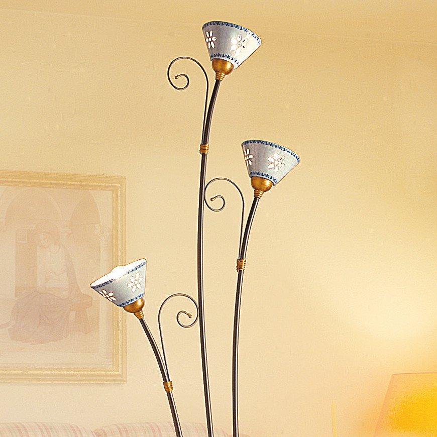 mediterrane dreiflammige stehleuchte mit keramikschirmen. Black Bedroom Furniture Sets. Home Design Ideas