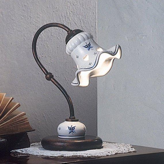 Tischleuchte als nachttischlampe in messing und keramik for Kleine nachttischlampe
