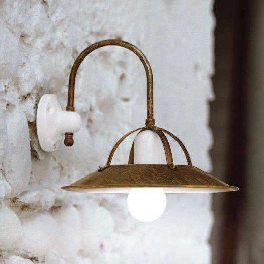 rustikale wandlampe postiglione mit messing schirm von. Black Bedroom Furniture Sets. Home Design Ideas