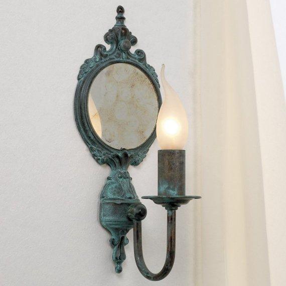 Rustikaler wandleuchter in messing mit spiegel im stil - Rustikaler spiegel ...